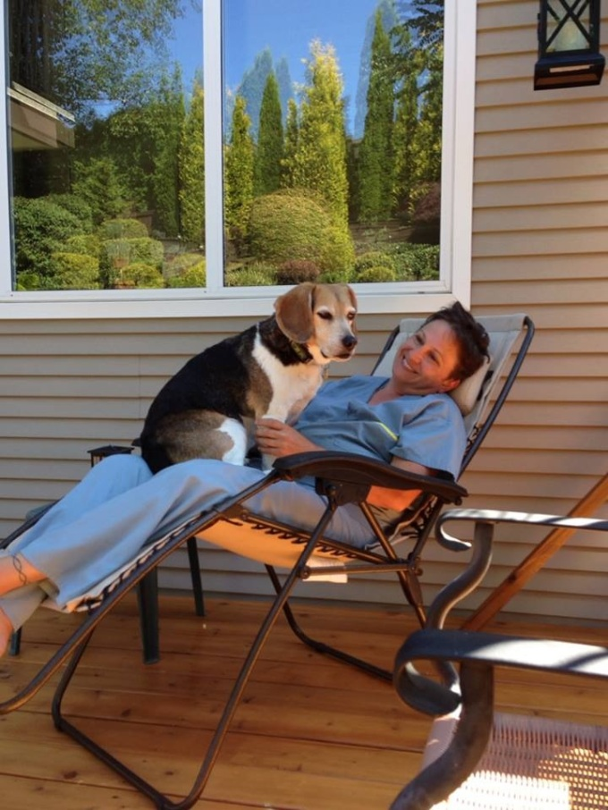 Leslie & Cruizer enjoying the morning sun