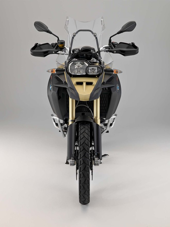 2013-bmw-f800gs-adventure-studio-still-27