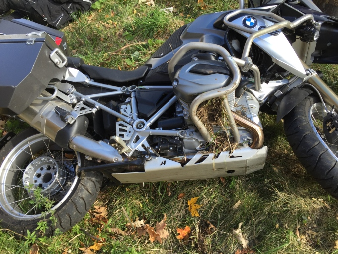 2015 BMW 1200GS, FOLIAGE RIDE….CRASH